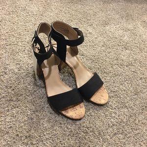 Merona Black and Tan with chunky heel size 7 1/2